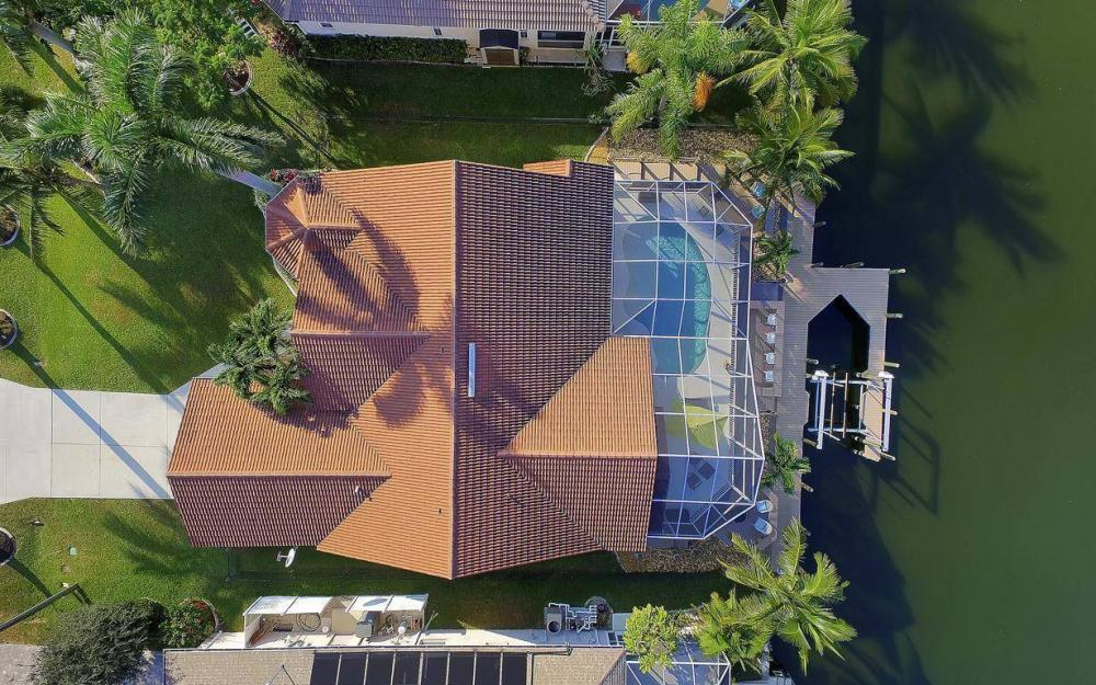 2115 SW 41st St, Cape Coral - Home For Sale 1401845013