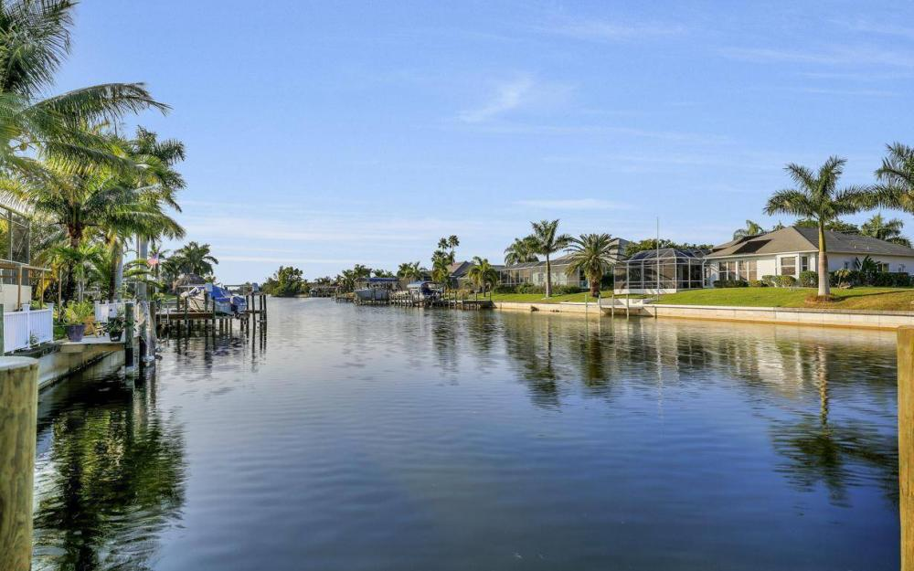 2115 SW 41st St, Cape Coral - Home For Sale 1073809810