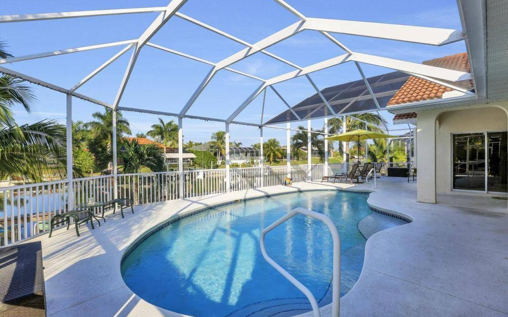 2115 SW 41st St, Cape Coral - Home For Sale 1841554735