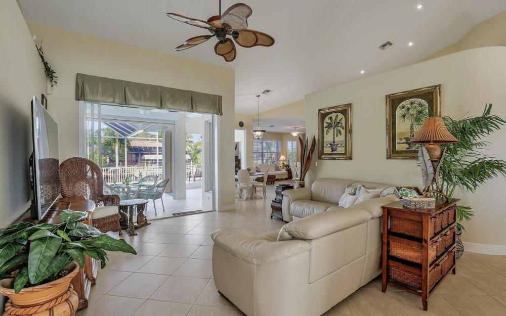 2115 SW 41st St, Cape Coral - Home For Sale 1528856993