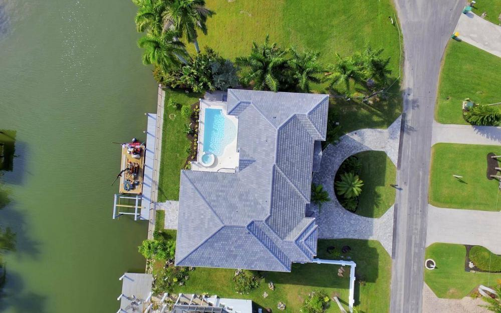 402 Pine Ave, Naples - Home For Sale 42000008