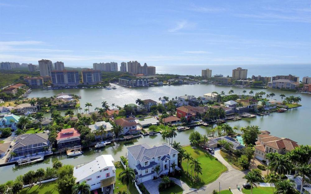 402 Pine Ave, Naples - Home For Sale 547354684