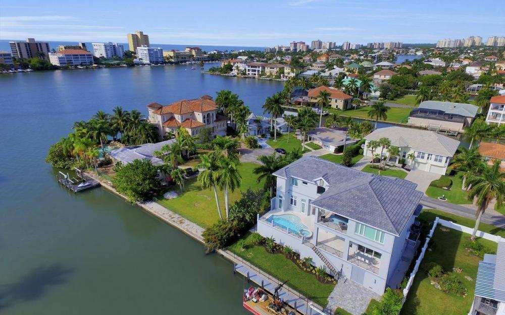 402 Pine Ave, Naples - Home For Sale 2079070343
