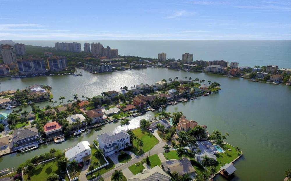 402 Pine Ave, Naples - Home For Sale 16414215