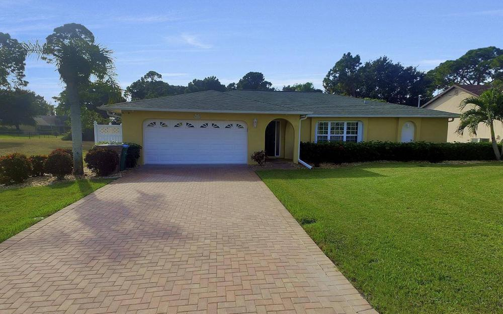852 SW 18th Ter, Cape Coral - Home For Sale 1686382839