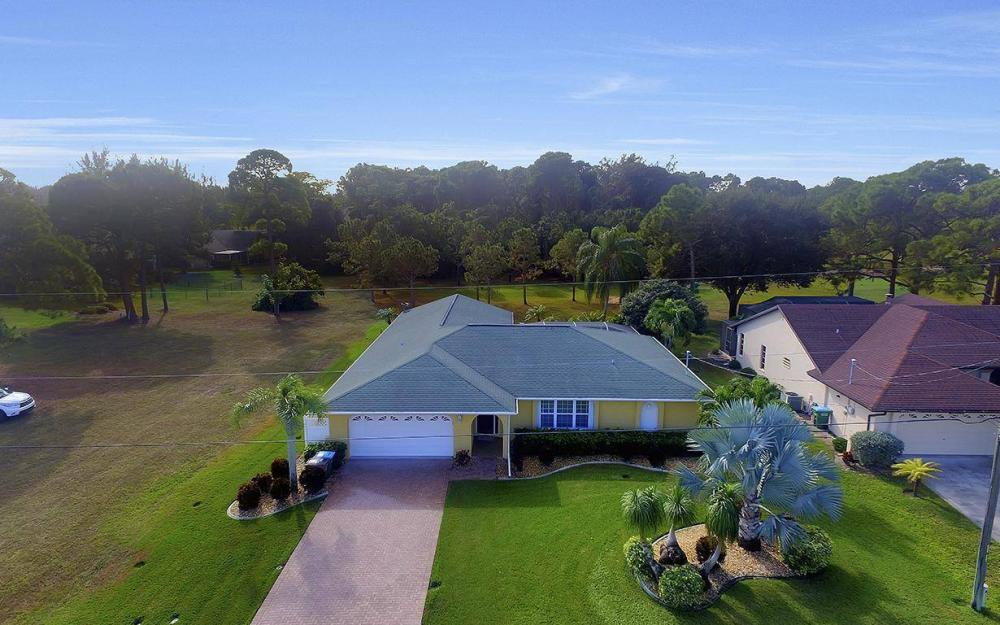 852 SW 18th Ter, Cape Coral - Home For Sale 1836499630