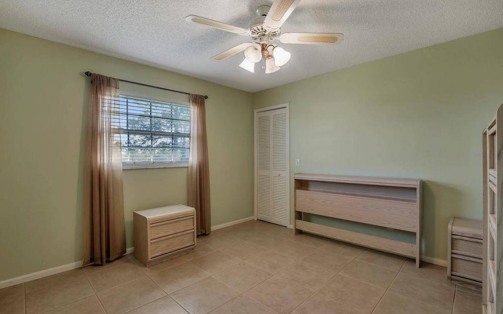 852 SW 18th Ter, Cape Coral - Home For Sale 526793071