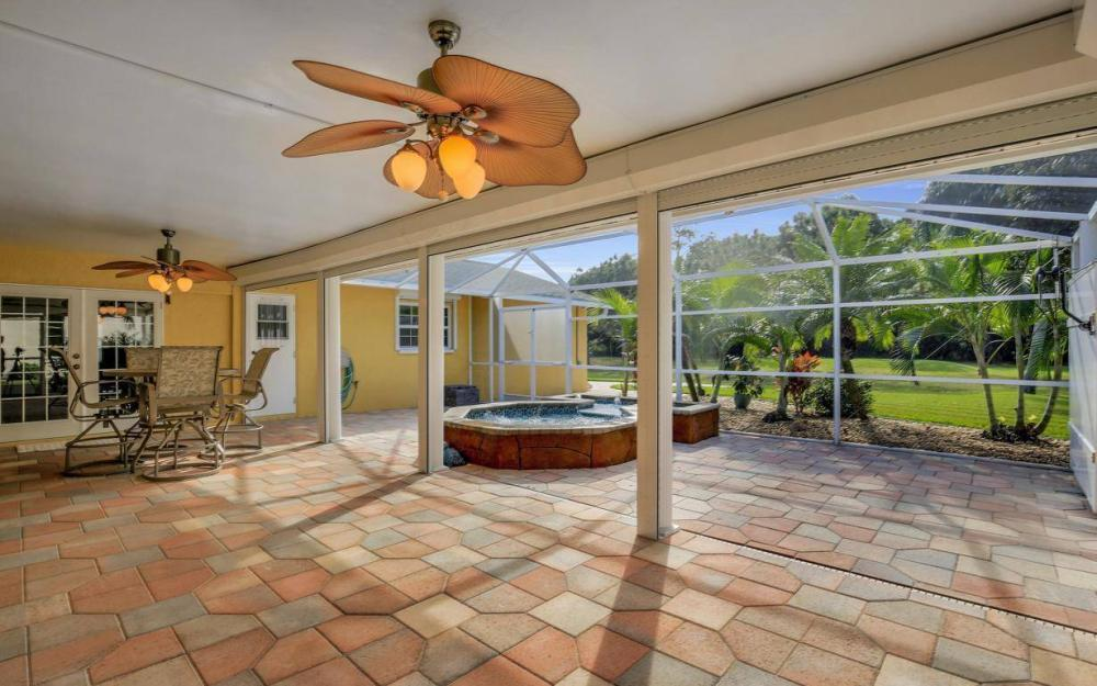 852 SW 18th Ter, Cape Coral - Home For Sale 1936346323