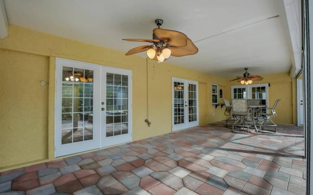 852 SW 18th Ter, Cape Coral - Home For Sale 195649395