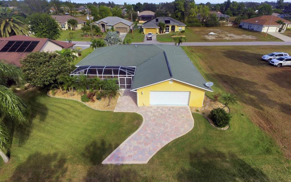 852 SW 18th Ter, Cape Coral - Home For Sale 1623922126