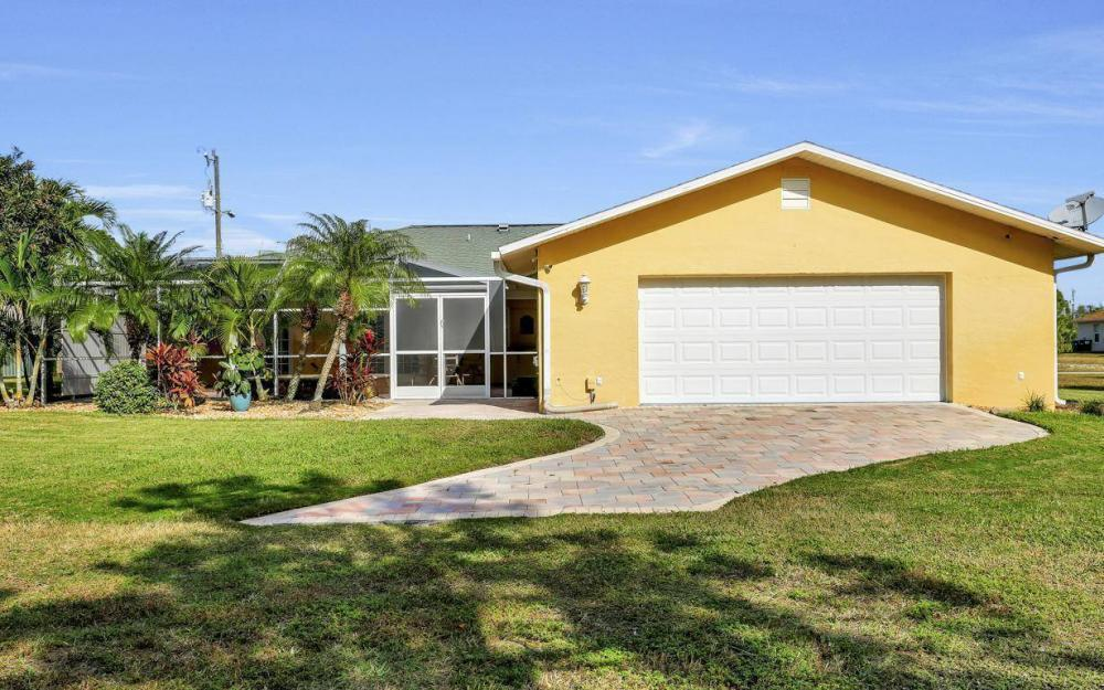 852 SW 18th Ter, Cape Coral - Home For Sale 551971997