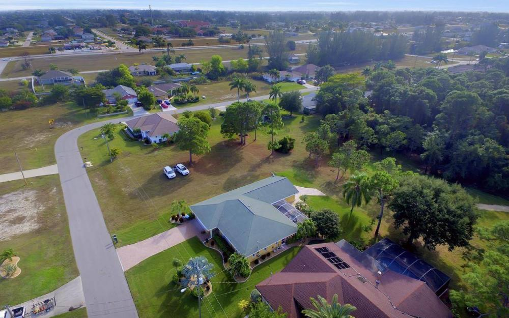 852 SW 18th Ter, Cape Coral - Home For Sale 733953361