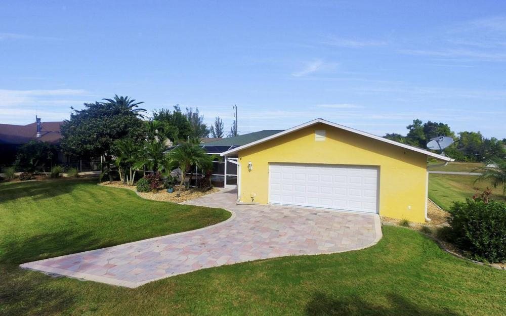852 SW 18th Ter, Cape Coral - Home For Sale 480848573