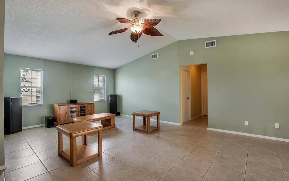 852 SW 18th Ter, Cape Coral - Home For Sale 953788297