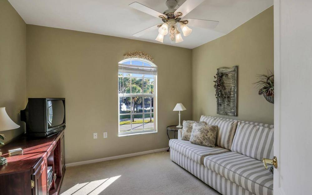 266 Newport Dr, Naples - Home For Sale 414027420