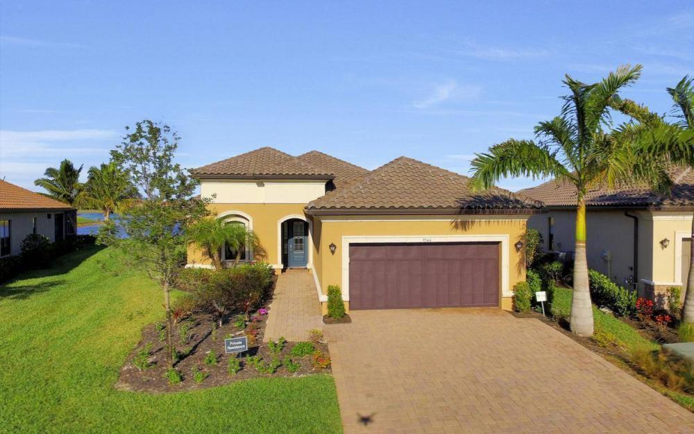 9544 Mussorie Ct, Naples - Home For Sale 97542872