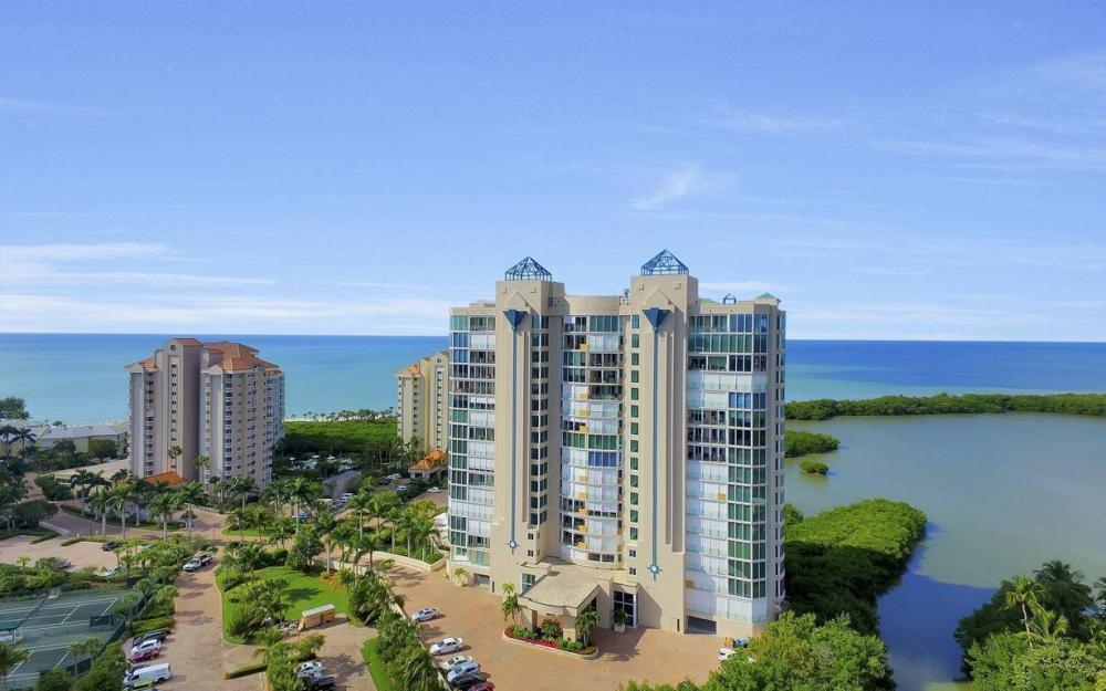 60 Seagate Dr PH206, Naples - Condo For Sale 2046403396