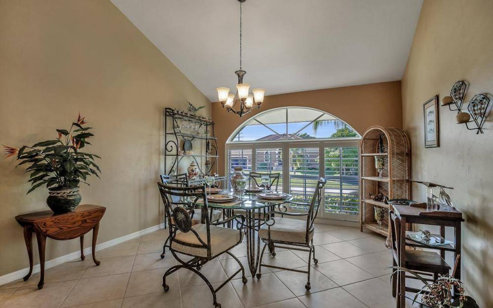 595 Fieldstone Dr, Marco Island - Home For Sale 1092148246
