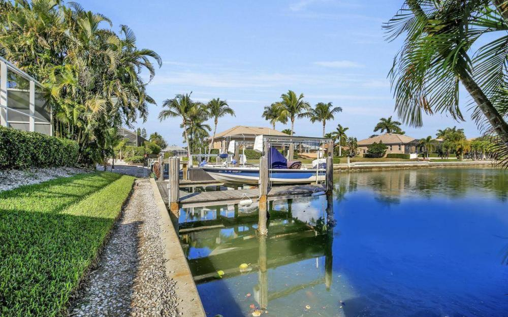 595 Fieldstone Dr, Marco Island - Home For Sale 896792235