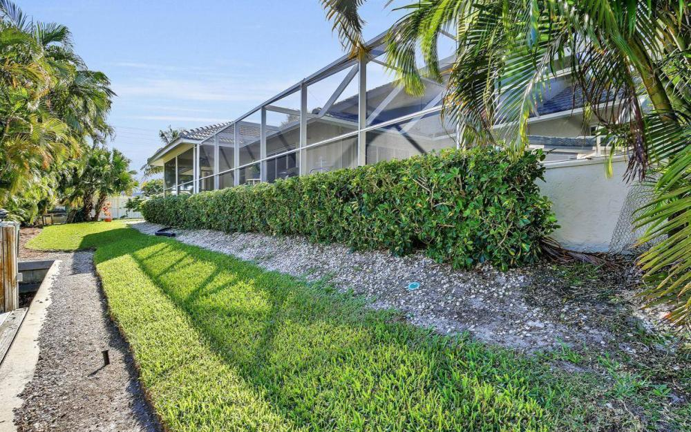 595 Fieldstone Dr, Marco Island - Home For Sale 1799584622