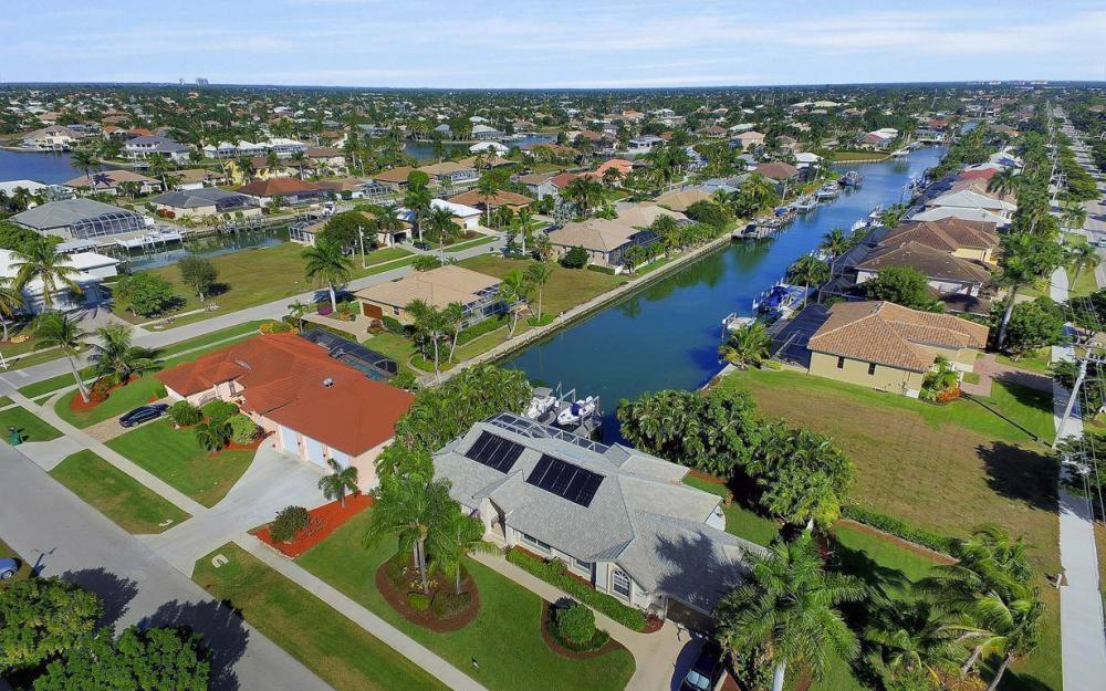 595 Fieldstone Dr, Marco Island - Home For Sale 1156094380