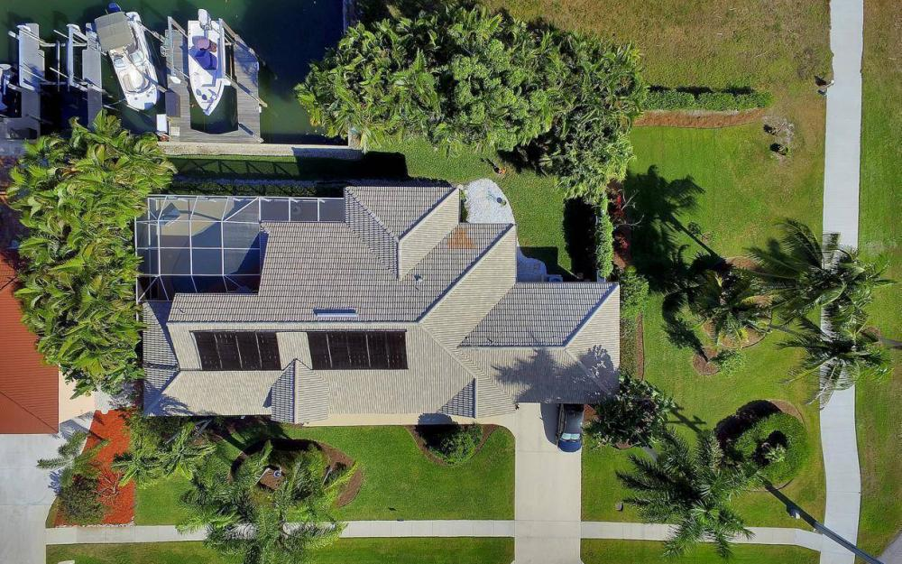 595 Fieldstone Dr, Marco Island - Home For Sale 901976491