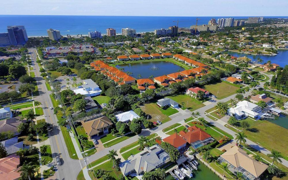 595 Fieldstone Dr, Marco Island - Home For Sale 1523928044