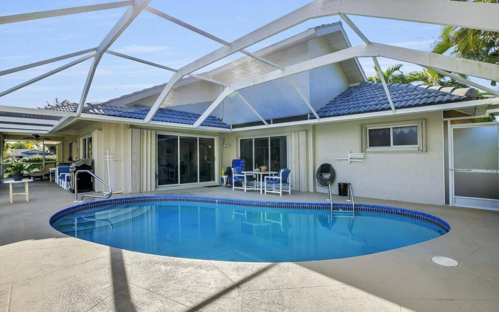 595 Fieldstone Dr, Marco Island - Home For Sale 1928129790