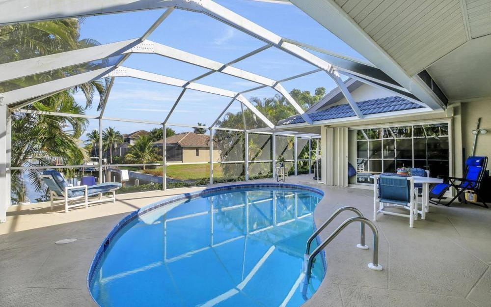 595 Fieldstone Dr, Marco Island - Home For Sale 1880070791