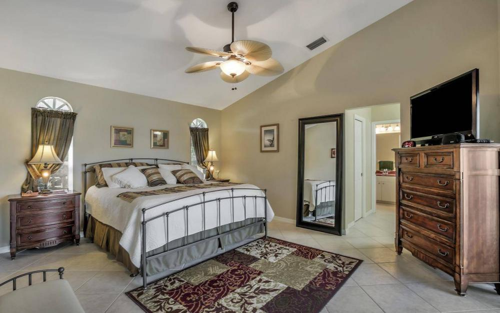595 Fieldstone Dr, Marco Island - Home For Sale 1868401253