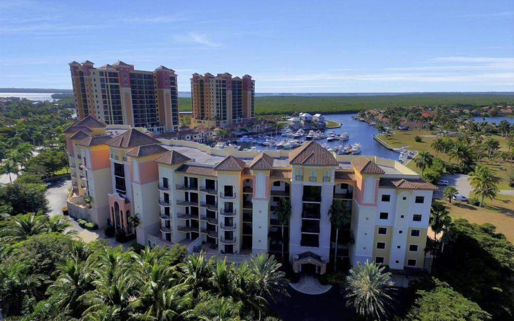 5702 Cape Harbour Dr #302, Cape Coral - Condo For Sale 642656167