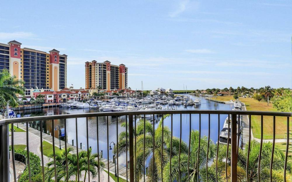 5702 Cape Harbour Dr #302, Cape Coral - Condo For Sale 2026128939