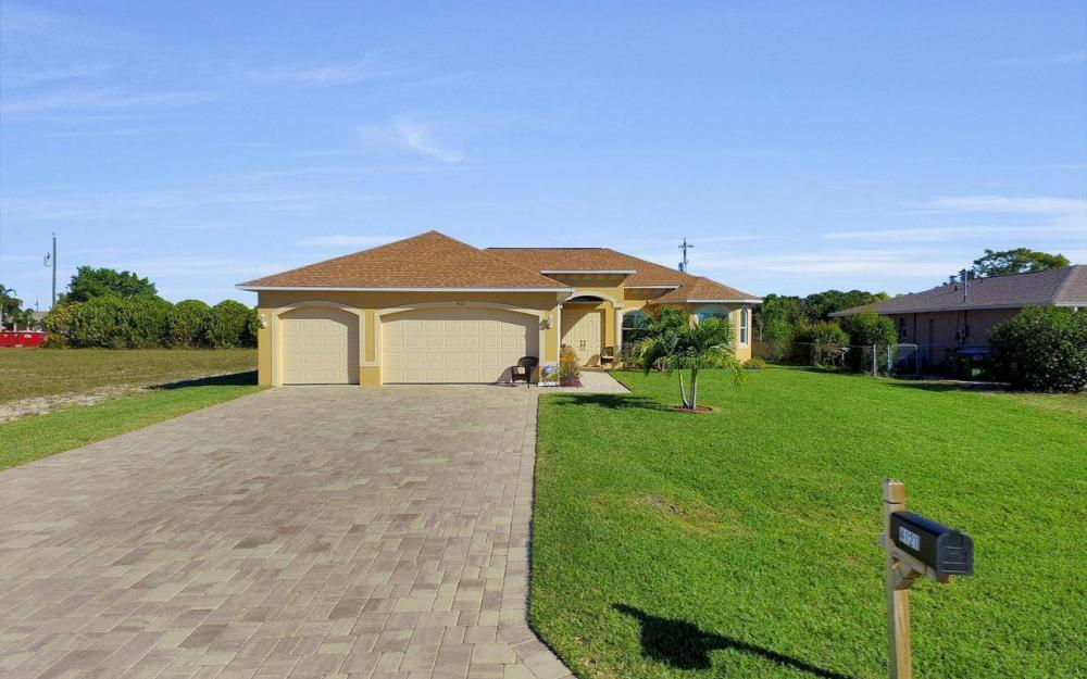 4121 SW 10th Ave, Cape Coral - Home For Sale 2049185924