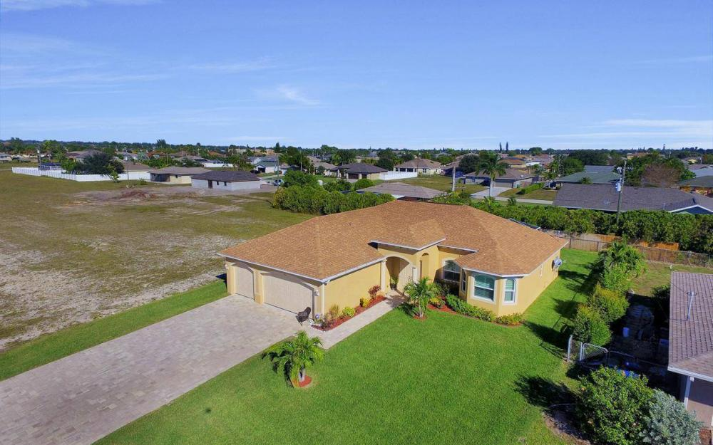 4121 SW 10th Ave, Cape Coral - Home For Sale 203686035