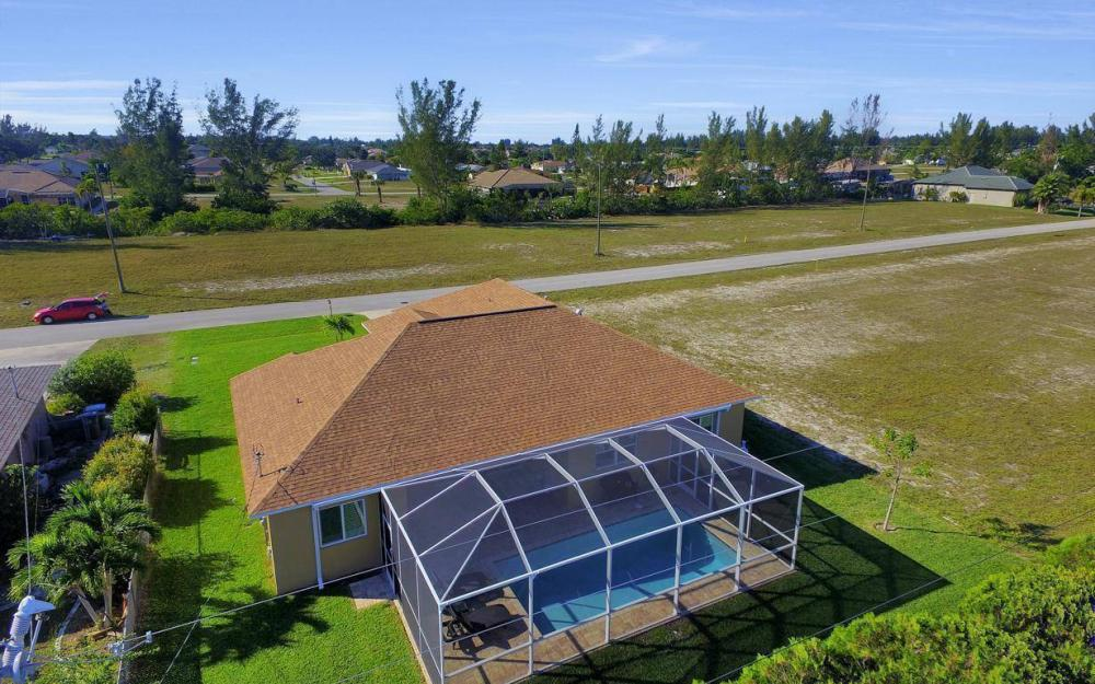 4121 SW 10th Ave, Cape Coral - Home For Sale 1713207576