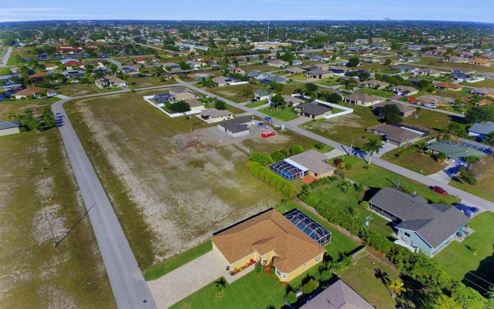 4121 SW 10th Ave, Cape Coral - Home For Sale 1309990707