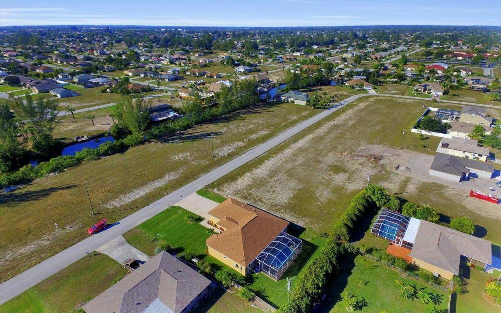 4121 SW 10th Ave, Cape Coral - Home For Sale 58781828