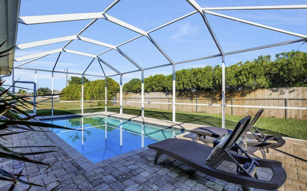 4121 SW 10th Ave, Cape Coral - Home For Sale 419795433