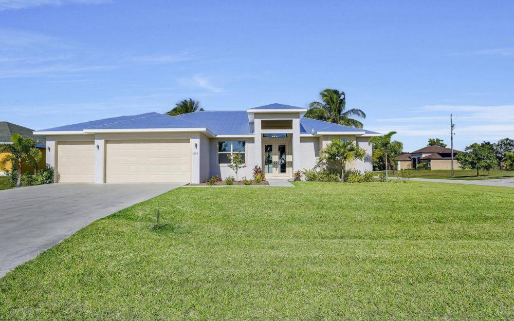 1615 SW 44th St, Cape Coral - Home For Sale 577463690