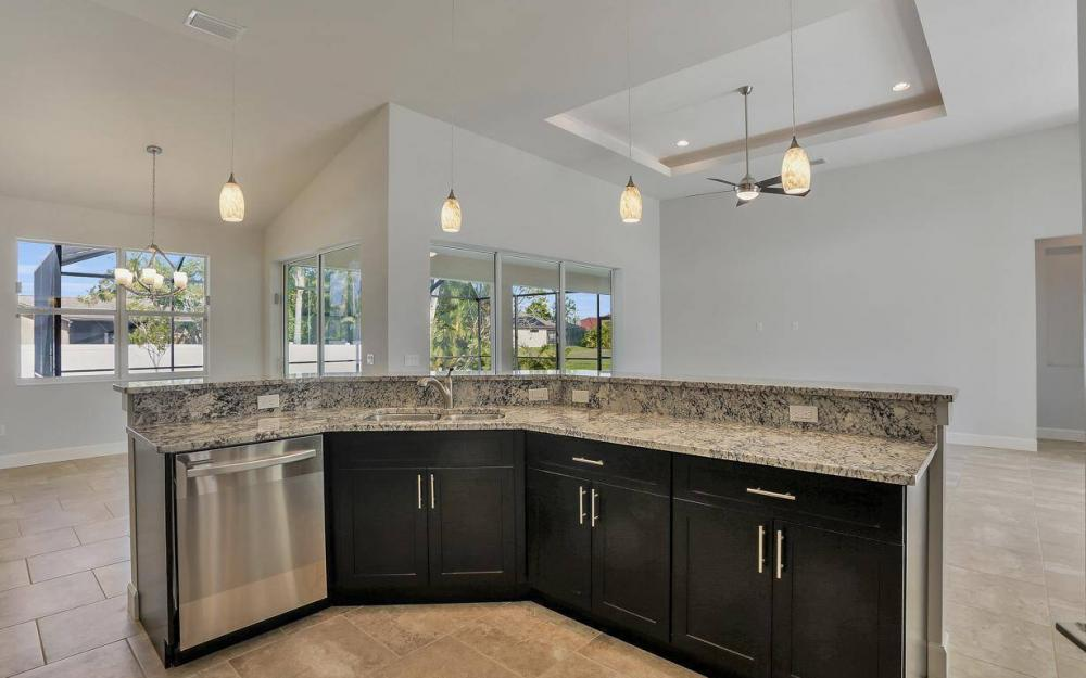 1615 SW 44th St, Cape Coral - Home For Sale 257468695