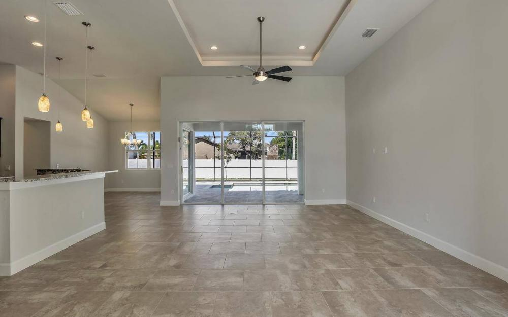 1615 SW 44th St, Cape Coral - Home For Sale 1086457399