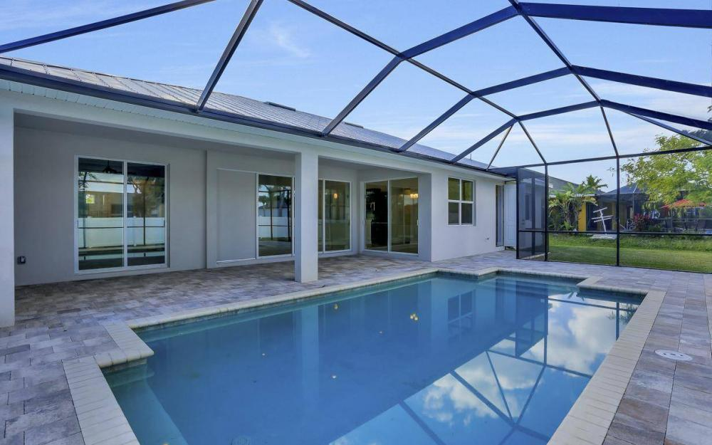 1615 SW 44th St, Cape Coral - Home For Sale 932928471