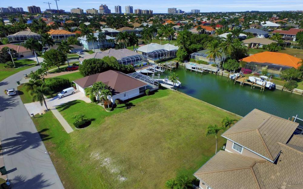 471 Driftwood Ct, Marco Island - Lot For Sale 2025382110