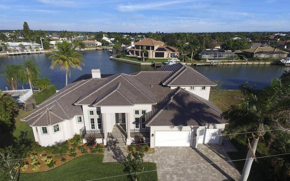 411 Nassau Ct, Marco Island - Home For Sale 1045639373