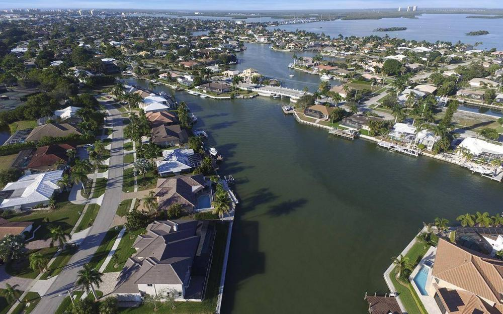 411 Nassau Ct, Marco Island - Home For Sale 1985498938