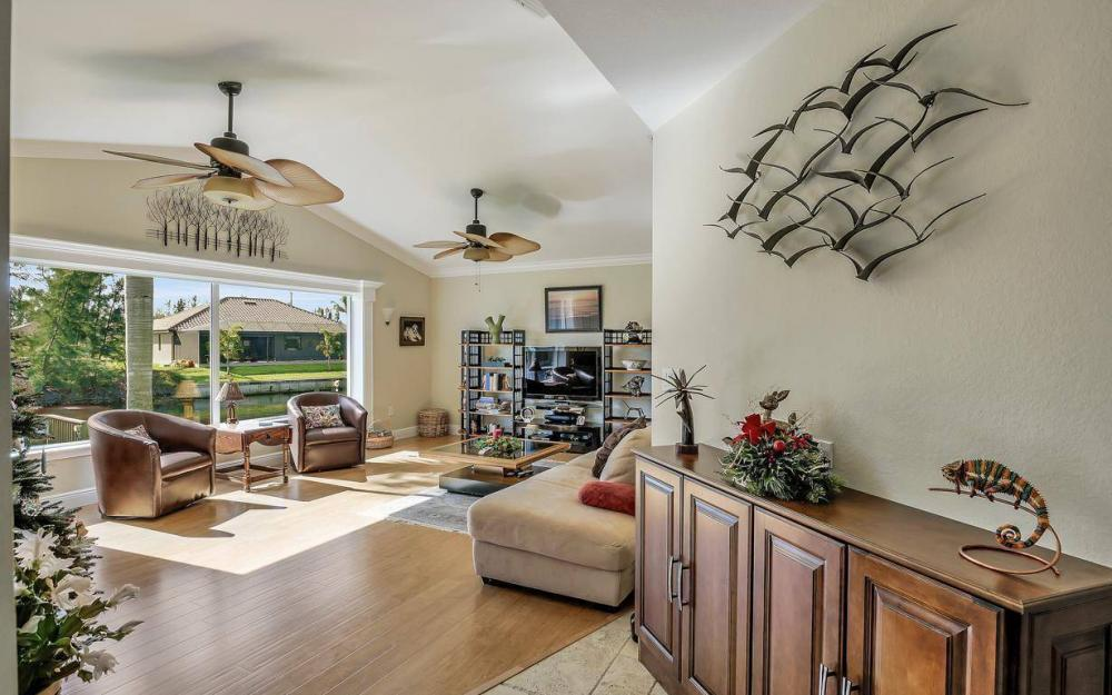 1824 SW 45th St, Cape Coral - Home For Sale 1165349203