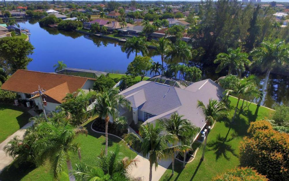 1824 SW 45th St, Cape Coral - Home For Sale 2039815482