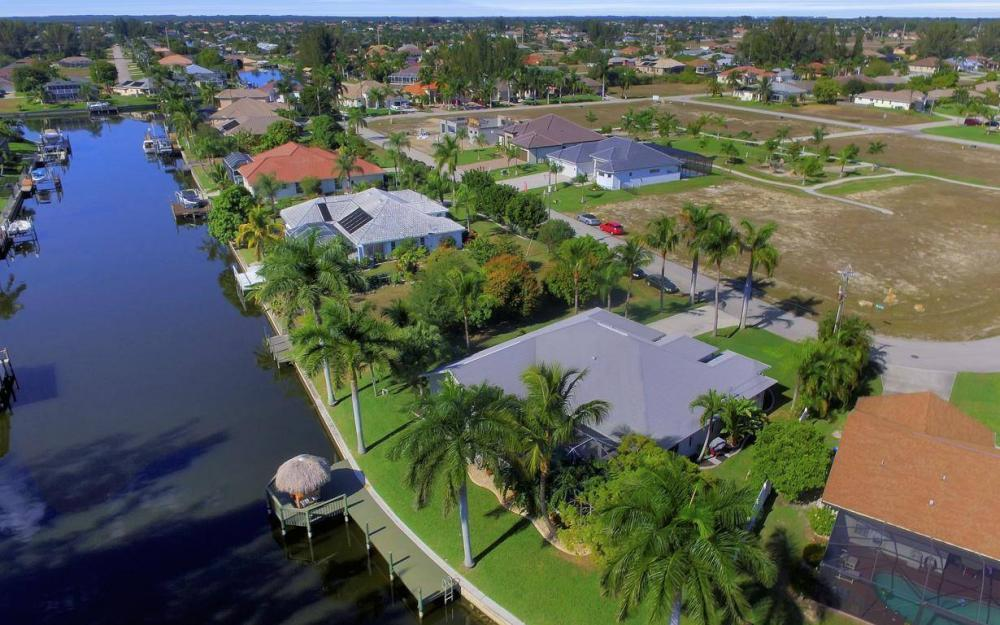 1824 SW 45th St, Cape Coral - Home For Sale 914131055
