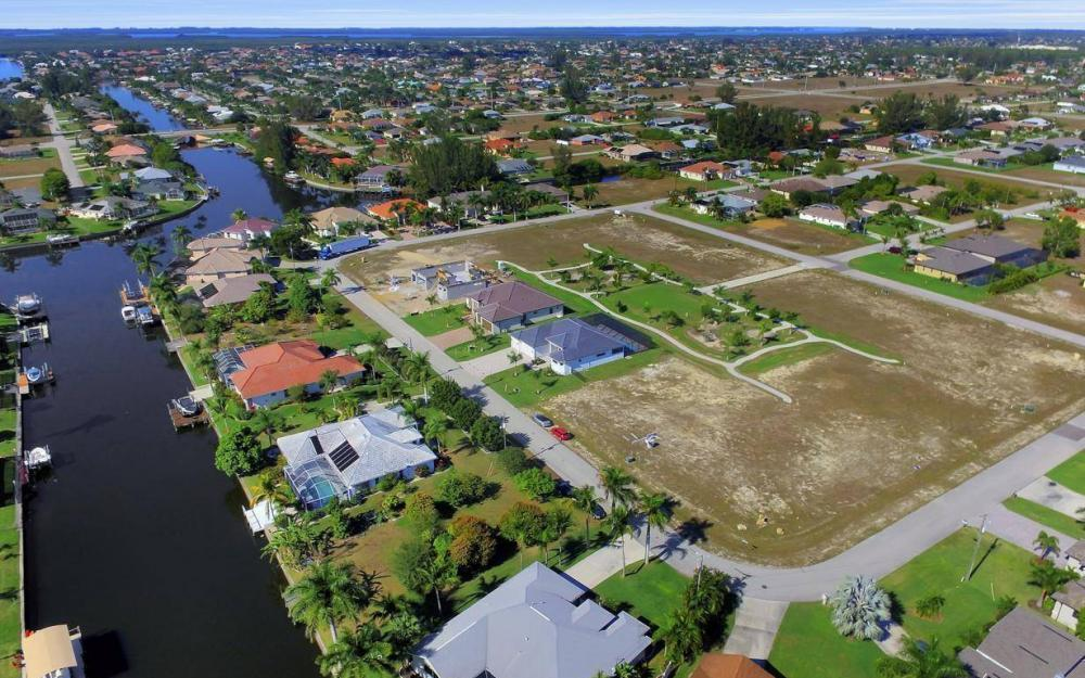 1824 SW 45th St, Cape Coral - Home For Sale 834869191