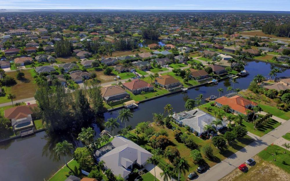 1824 SW 45th St, Cape Coral - Home For Sale 1870709391